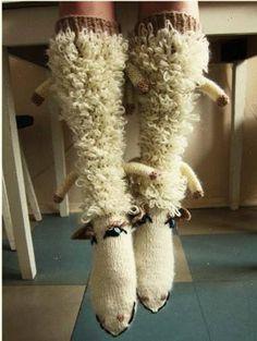 Lambasokid kusagilt FB-st Crochet Wool, Crochet Socks, Handicraft, Slippers, Halloween, Knitting, Gloves, Bikini, Hair Styles