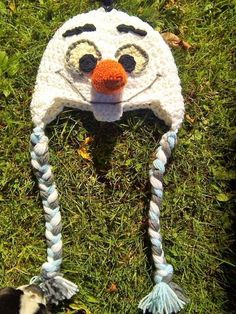 #ad This Disney inspired Frozen Crochet Olaf hat pattern is super cute!  one of several patterns on Kawartha Lakes Mums: Giveaway,Freebies : More Frozen Fun! Celebrating Kawartha Lakes Mums Popular Pinterest Pins!