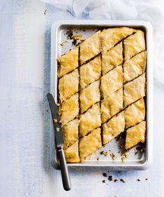 Hedelmäbaklava - Kotiliesi.fi Pavlova, Marsala, Christmas Baking, Foods, Food Food, Food Items, Christmas Cookies, Marsala Wine