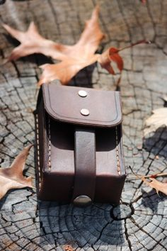 Canadian Bushcraft Leather Pouch with belt loop. N02 extremely good video on DIY