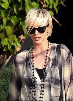 Ashley Simpson - Short hairstyles