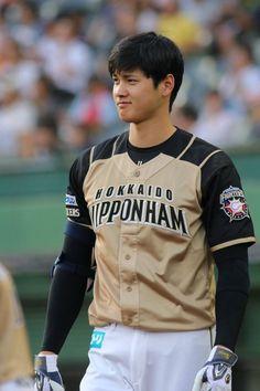 Angels Baseball, Baseball Boys, Baseball Players, Football, Japanese Baseball Player, The Outfield, Japanese Boy, Book Tv, Sports Pictures