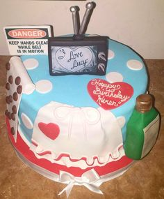 """""""I Love Lucy"""" Cake - Awesome Cake Decorating"""