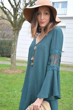 6. capeline et robe manches évasées hippie chic Look Hippie Chic, Nouveau Look, Tunic Tops, Lifestyle, Vintage, Chicken, Shirts, Women, Fashion