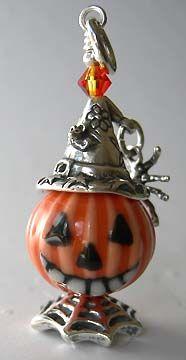 Halloween Beads, Halloween Lanterns, Halloween Jewelry, Halloween Boo, Halloween Crafts, Halloween Decorations, Holiday Jewelry, Fall Jewelry, Diy Jewelry