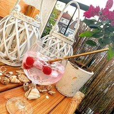 Gouden roestvrijstalen rietjes incl. schoonmaak borstel, ideaal voor je cocktail en smoothie's! Rvs, Smoothies, Cocktails, Cocktail Parties, Smoothie, Cocktail, Slurpee, Fruit Shakes, Drinks