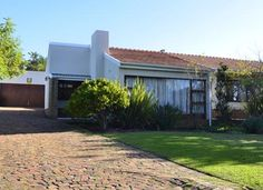 3 Bedroom House for sale in Eversdal Contact: Dawie Du Plessis dawie@sirctn.co.za Tel: 021 979 4396 Mobile: 083 293 0449