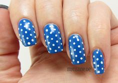 Dotted Blue Nails mit Magnificent Blue (P2, Cirque De Beauté)