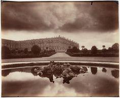 Le Château, fin Octobre, le soir, effet d'orage, vue prise du Parterre du Nord