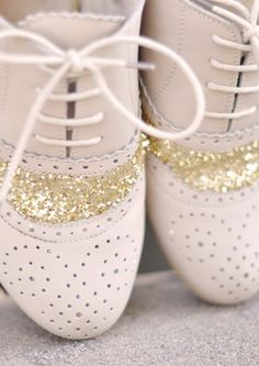 Sparkly Vintage Shoes:: Glittery Oxfords:: Retro glam:: Retro shoes:: Sparkle
