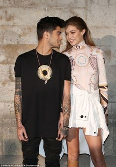 Congrats to Gigi and Zayn Starting a family! Gigi Hadid is pregnant. The model is expecting baby No. 1 with boyfriend Zayn Malik. Gigi Hadid Und Zayn, Gigi Hadid And Zayn Malik, Cute Celebrity Couples, Cute Couples, Givenchy, Role Models, Fashion Show, Paris Fashion, Women's Fashion