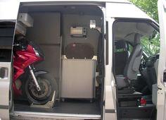 ford-transit-stealth-camper-06