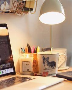 """612 mentions J'aime, 23 commentaires - Florence ⚓️ (@la.mouette) sur Instagram : """"La clef pour se motiver à reprendre le travail : se sentir bien à son bureau avec un grand mug de…"""""""