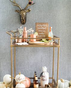 Want to throw a copper-clad Thanksgiving this year? We have got the ultimate inspiration #onIBTtoday + where you can pick up all these goodies for the prettiest bar cart! (Link in Profile, Photo by @abbyjiu, Styling by @laurynprattes, Calligraphy by @lhcalligraphy) #IBTlife #everydayIBT #thanksgivingdinner #thanksgivingdecor #copperdecor