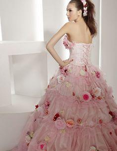 trouwjurk-roze-glamour-Jessica Biel