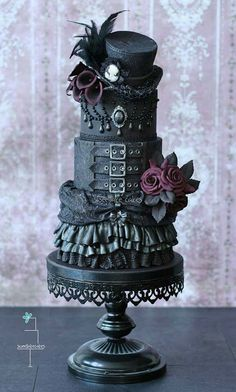 Awesome and Unique Steampunk Wedding Ideas Gothic wedding cake with top hat – Cake by Tamara Steampunk Wedding Cake, Gothic Wedding Cake, Gothic Cake, Gothic Wedding Ideas, Victorian Gothic Wedding, Victorian Lace, Pretty Cakes, Cute Cakes, Beautiful Cakes