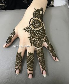 Collection of creative & unique mehndi-henna designs for girls Mehndi Designs Book, Finger Henna Designs, Mehndi Designs For Girls, Mehndi Designs For Beginners, Mehndi Design Photos, Dulhan Mehndi Designs, Unique Mehndi Designs, Mehndi Designs For Fingers, Beautiful Henna Designs