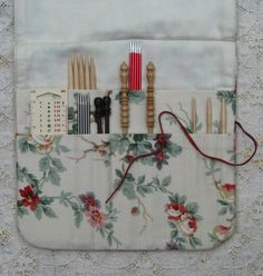 Knitting needle roll suitable for dpns