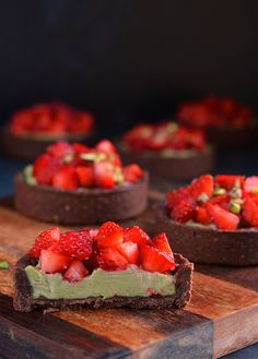 Mini Fruit Tarts, Mini Tart, Tart Recipes, Mini Desserts, Pistachio, Eat Cake, Minion, Cheesecake, Deserts