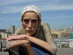 Isabelle Caro, francuska modelka i twarz kampanii przeciwko anoreksji. Zmarła na tę chorobę w 2010 r. W chwili śmierci ważyła 25 kg (fot. PAP/Photoshot)