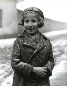Roman Vishniac photographed iconic images of Jewish life in Eastern Europe before, during, and after the Holocaust.