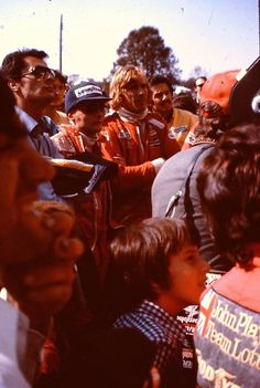 James Hunt and Niki Lauda James Hunt, F 1, Formula 1, Grand Prix, Racing, Couple Photos, Pictures, Projects, Photos