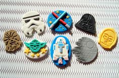 16 Star Wars Cupcake Toppers Edible Star by SweetCakeByAnastasia