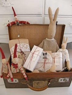 Bunnies and 'julenisser' (Fathers Christmas helpers) by the Danish company Maileg... <3