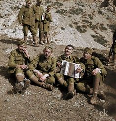 1941. Greek soldiers in moments of rest on the Albanian front.