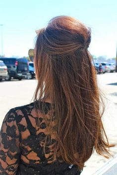 Simple half up hair. Looks like you just twist and pin inward. - - Simple half up hair. Looks like you just twist and pin inward. More Fashion at long Hairstyles Quick Hairstyles, Pretty Hairstyles, Straight Hairstyles, Wedding Hairstyles, Long Haircuts, Wedding Upstyles, Hairstyles Videos, Hairstyles 2016, Pixie Hairstyles