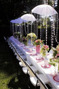 Love this baby shower idea! perfect for a tea party baby shower outside in the terrace Shower Party, Baby Shower Parties, Baby Shower Gifts, Shower Games, Baby Shower Table Set Up, Baby Shower Chair, Tea Party Bridal Shower, Décoration Garden Party, Dream Wedding