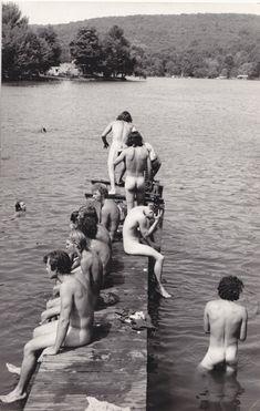 Bathers (no data) Woodstock Festival, Male Photography, Sauna, Summer Of Love, Vintage Men, Vintage Vibes, Old Pictures, Erotica, Vintage Photos