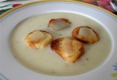 Sajtkrémleves Soup Recipes, Cake Recipes, Hungarian Recipes, Hungarian Food, Cheeseburger Chowder, Nom Nom, Bacon, Food And Drink, Eggs