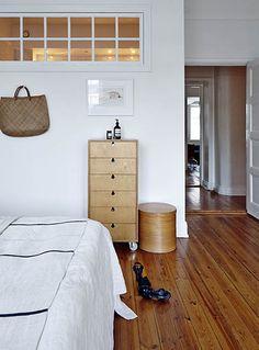 Apartment Belonging To Hu0026M Homeu0027s Head Of Design Evelina Kravaev Söderberg  (Bedroom)