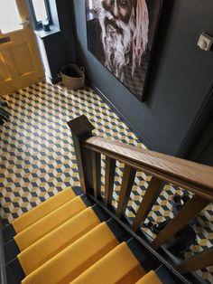 Room Interior, Home Interior Design, Interior Architecture, Narrow Hallway Decorating, Victorian House Interiors, Hallway Colours, Hall Flooring, Hallway Inspiration, Hallway Designs