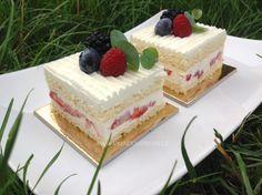 Vanilla Cake, Tiramisu, Cheesecake, Food And Drink, Vegetarian, Cupcakes, Treats, Baking, Sweet