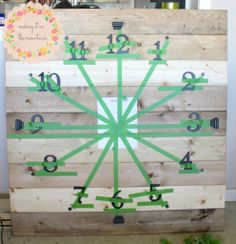 DIY pallet clock with number guide