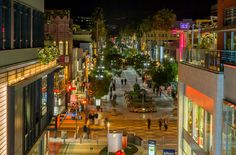Santa Monica in Southern California is a beautiful and diverse coastal destination with a plethora of activities to choose from – including surfing, biking, hiking, horse back riding and shopping. There are many top-notch restaurants, bars and cultural venues to enjoy.