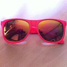 Wayfarer Sunglasses.. LOVE<3