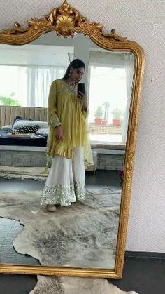 Party Wear Indian Dresses, Pakistani Fashion Party Wear, Designer Party Wear Dresses, Kurti Designs Party Wear, Dress Indian Style, Indian Fashion Dresses, Indian Wedding Outfits, Indian Designer Outfits, Indian Outfits
