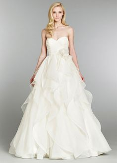 From sexy and glamorous to romantic and flowing, brides have more options than ever during their wedding dress shopping. See the best gowns from each of the most in-demand bridal designers. Sexy Wedding Dresses, Cheap Wedding Dress, Designer Wedding Dresses, Wedding Gowns, Bridal Dresses Online, Bridal Gowns, Organza Bridal, Dress Online, Bridal Hair