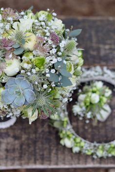 #wedding #weddingday #slub #bukiet #bukiety #bukietslubny #weddingbouquet #kwiaty #flowers #rustic #rusticstyle #whiteflowers #bielekwiaty #artemi #florystyka  www.artemi.com.pl