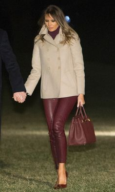 - Photo 1 - As a former model, Melania Trump wows with her first lady style, which includes a wide variety of designer names. Check out President Donald Trump's wife's latest looks. Classy Outfits, Chic Outfits, Outfit Pantalon Vino, Donald Trump Wife, Milania Trump Style, Malania Trump, Mode Jeans, First Lady Melania Trump, Melania Trump Dress
