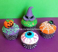 http://lamuccasbronza.blogspot.com  Halloween cupcakes