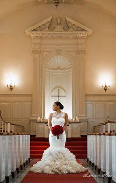 vera wang wedding dress red bouqet roses