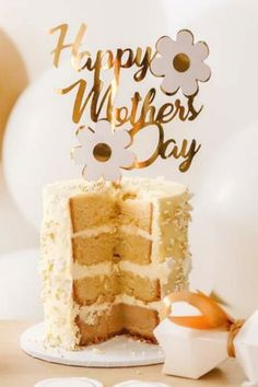 Take a look at this beautiful daisy-themed Mother's Day party! The cake is stunning!! See more party ideas and share yours at CatchMyParty.com #catchmyparty #partyideas #mothersday #daisy #cake Bridal Shower Cakes, Baby Shower Cakes, Mothers Day Cake, Happy Mothers Day, Mother's Day Theme, Rustic Cake, Holiday Cakes, Gorgeous Cakes, For Your Party