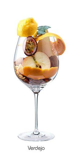 VERDEJO  Apple, pear, grapefruit (shell), passion fruit, lemon (peel), walnut, almond (bitter), ivy, pine nut