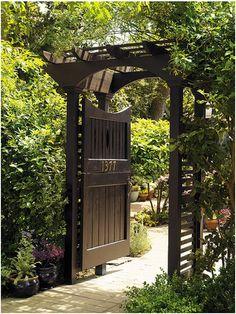 i. Garden: August 2011