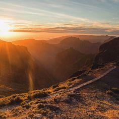 Disney at Pico Arieiro Madeira. #madeiraisland #góry #mountains #kochamgory #mountainlovers #naszlaku #instagirl #landscape #nature #naturephotography #amazingview #hiking #trekking #sunset #madeira #mountainpeak #osprey #salomonshoes #arcteryx #simond #mountainphotography #traveling #travel #podroze #backpacking #sunset_vision