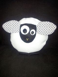 Doudou mouton en black and white : Jeux, peluches, doudous par carlita-and-co